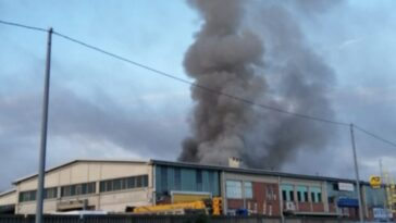 Torino incendio magazzino