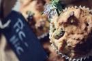 Muffin salati senza uova, con pomodori secchi, fave e noci